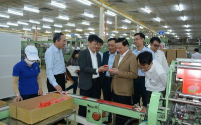 Mr. Nguyen Khac Dinh, secretary of Khanh Hoa Provincial Party Committee together with the delegation visiting and working at Khanh Viet Corporation (khatoco)
