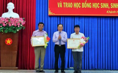 Khanh Viet Corporation was awarded the certificate of merit by Khanh Hoa People's Committee at the ceremony of awarding scholarships to pupils and students of Khanh Hoa province