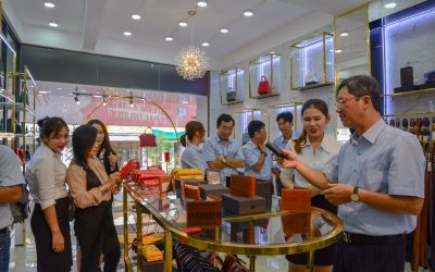 Khatoco jubilantly opened a new ostrich and crocodile leather fashion showroom in Nha Trang city