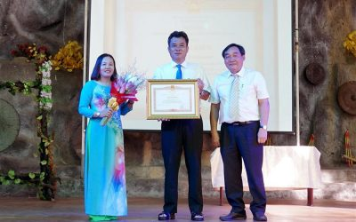 Yang Bay Tourist Park was honored to receive the certificate of merit awarded by the Prime Minister