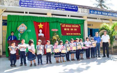 """Offering 772 gifts to the needy pupils on the occasion of beginning the 2019 new school year according to the program """"Helping Children go to School"""""""