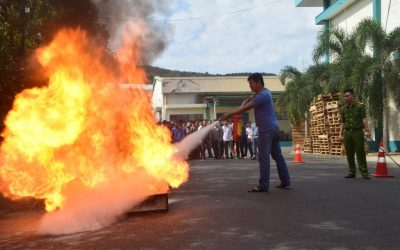Khanh Viet Corporation organized a training course on fire prevention, firefighting and rescue