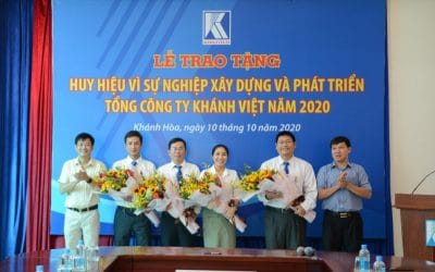 """The ceremony of awarding the medal """"For the cause of construction and development of Khanh Viet Corporation"""" in 2020"""