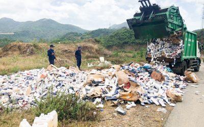 Khanh Hoa province's Government destroyed 85,000 packs of smuggled cigarettes