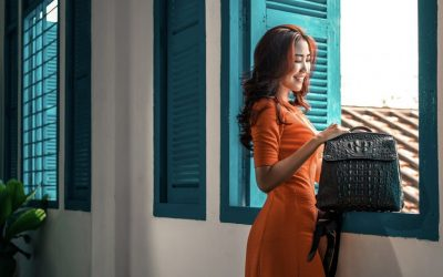 Unique office style with Khatoco's ostrich and crocodile leather handbags